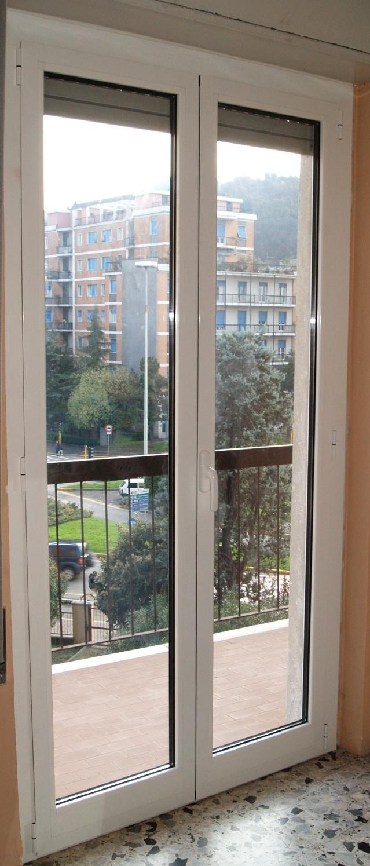 Finestre e portefinestre in alluminio borgo poncarale - Finestre bianche ...