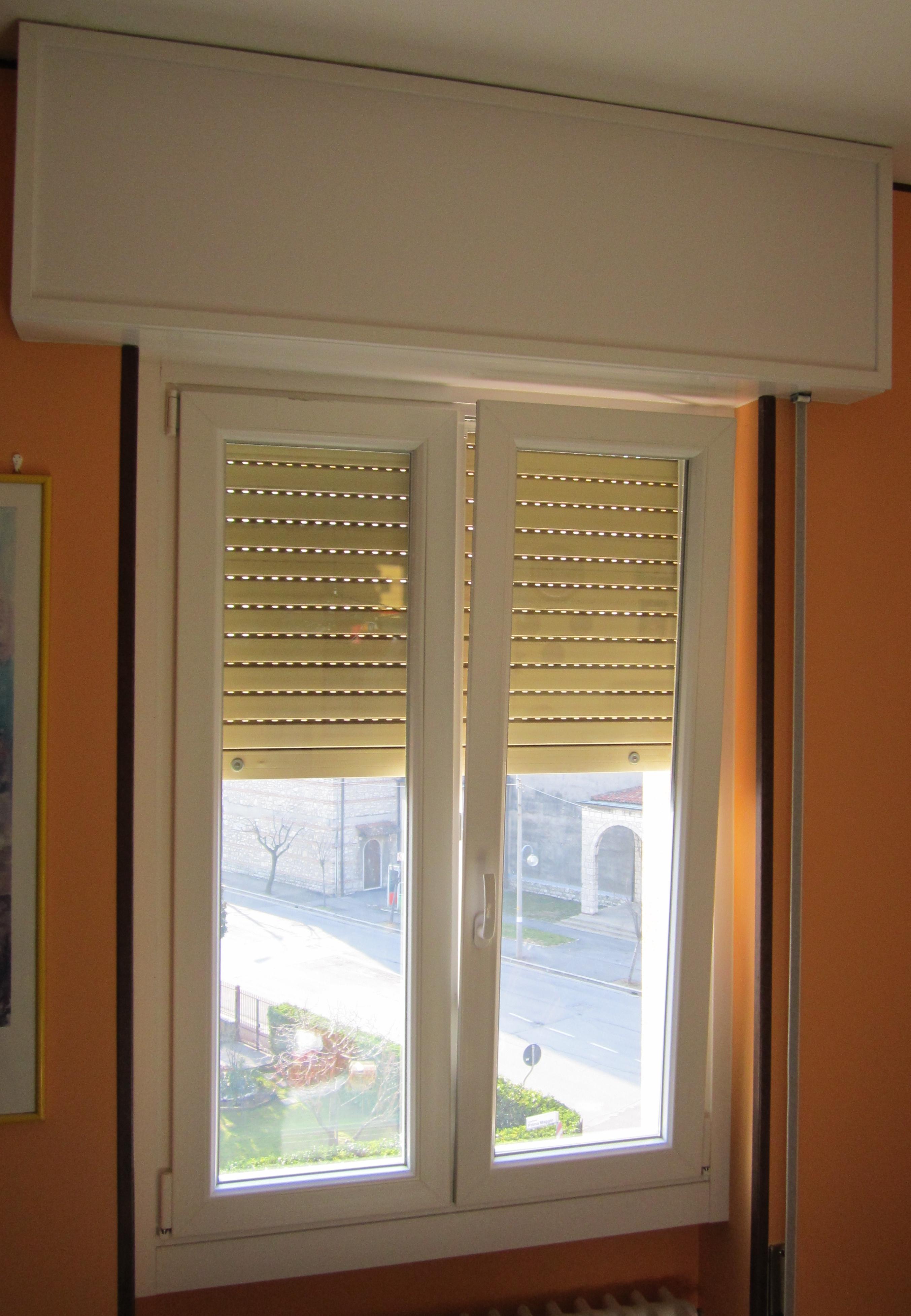V8 serramenti e infissi finestre risparmio energetico porte e portoncini - Ristrutturare porte e finestre ...