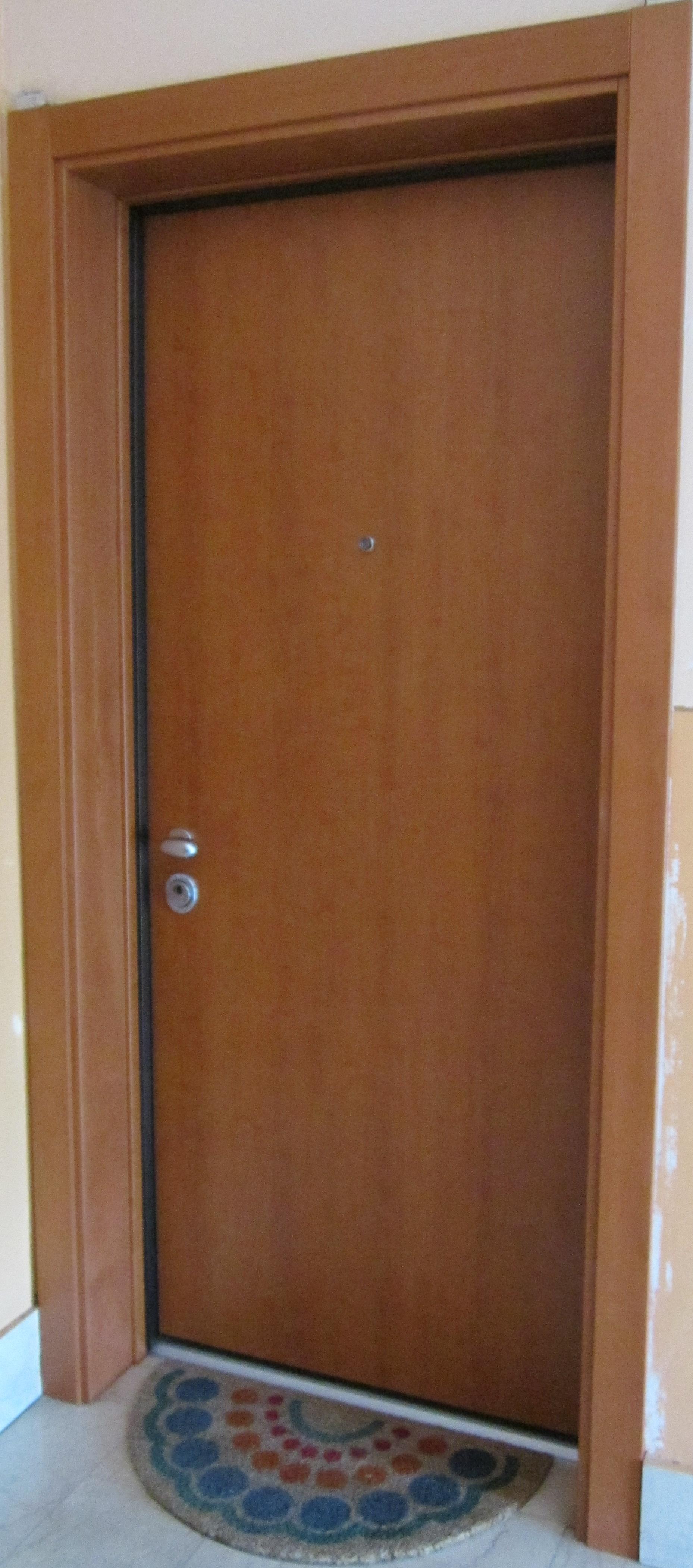 V8 serramenti porte blindate - Scassinare una porta ...
