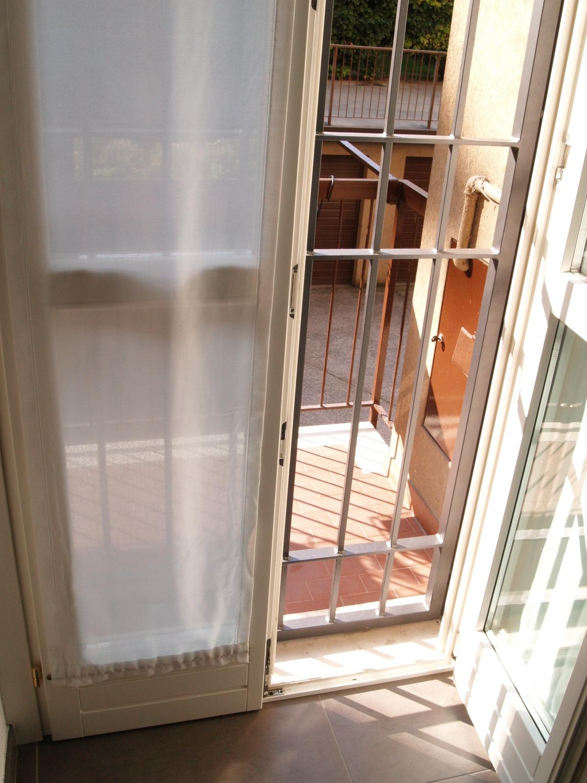 V8 serramenti e infissi finestre risparmio energetico porte e portoncini - Serramenti e finestre ...